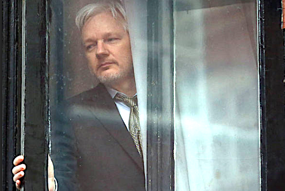 Julian Assange Offers U.S. Gov't. Proof Russia Wasn't Source of Democratic Party Leaks, Says WSJ