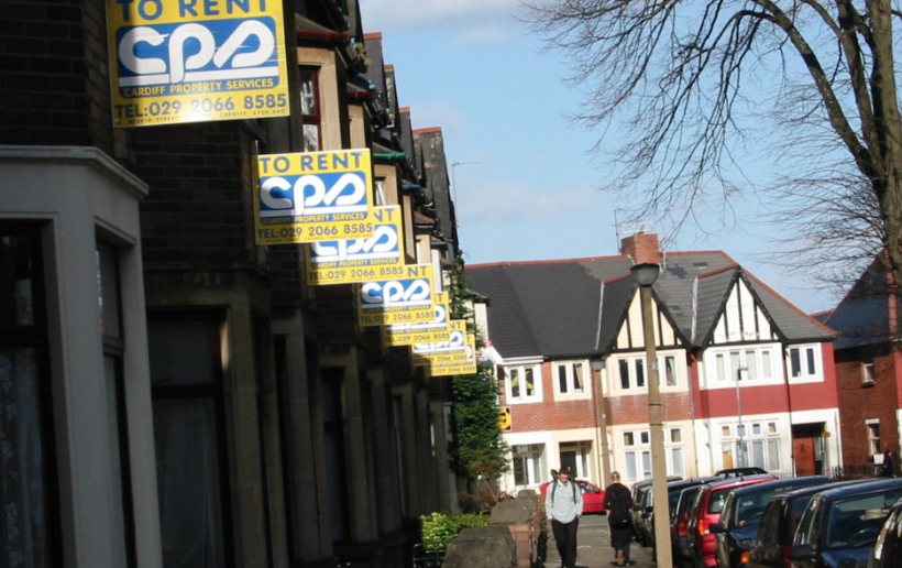 Housing benefit 'failed to keep pace with even the cheapest private rents'