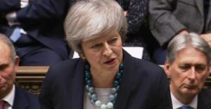 Theresa May ruled out no-deal after Northern Ireland terror warning